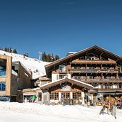 Tagungshotels: Außenansicht | Winter - Das Alpenwelt Resort****SUPERIOR
